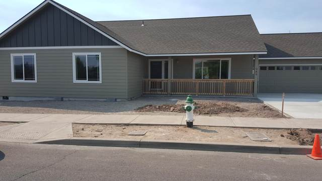 949 NE Whistle Way, Prineville, OR 97754 (MLS #220105234) :: Central Oregon Home Pros