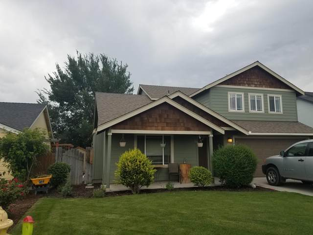 652 NW Green Forest Circle, Redmond, OR 97756 (MLS #220105690) :: Vianet Realty