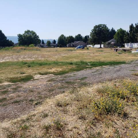 4404 Biddle Road, Central Point, OR 97502 (MLS #220106227) :: Rutledge Property Group