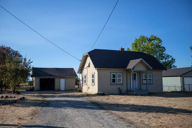 255 Charlotte Ann Road, Medford, OR 97501 (MLS #220106822) :: Bend Relo at Fred Real Estate Group