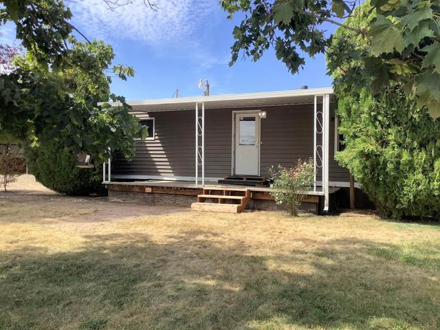 253 Meridian Road, Eagle Point, OR 97524 (MLS #220106884) :: The Ladd Group
