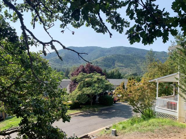 100 Cedar Ridge Terrace, Rogue River, OR 97537 (MLS #220107679) :: Rutledge Property Group
