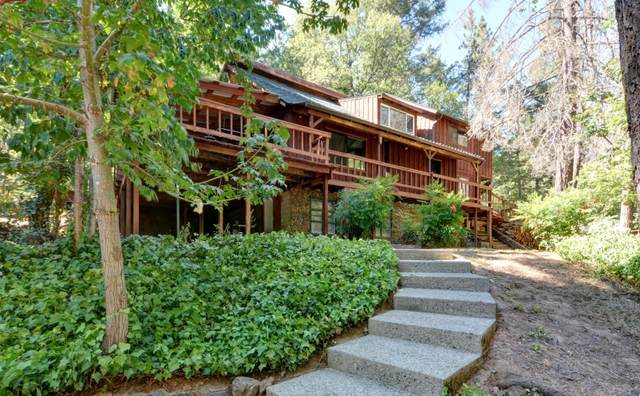 5495 W Evans Creek Road, Rogue River, OR 97537 (MLS #220108079) :: Vianet Realty