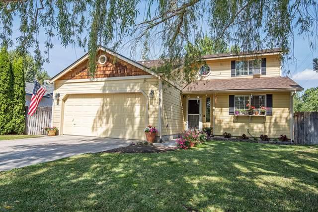 20822 Cassin Drive, Bend, OR 97701 (MLS #220108231) :: Windermere Central Oregon Real Estate