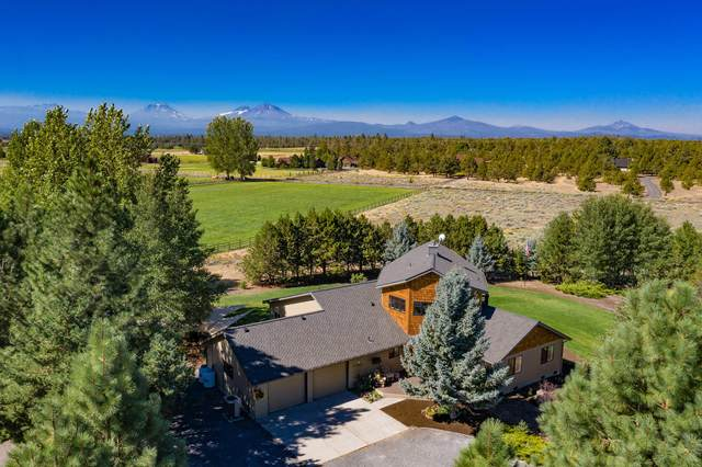 69370 Scimitar Lane, Sisters, OR 97759 (MLS #220108382) :: Berkshire Hathaway HomeServices Northwest Real Estate