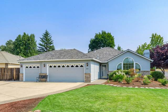 951 Rimrock Circle, Medford, OR 97504 (MLS #220108479) :: FORD REAL ESTATE