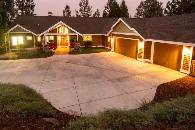 2750 NW Lucus Court, Bend, OR 97703 (MLS #220108550) :: Bend Relo at Fred Real Estate Group