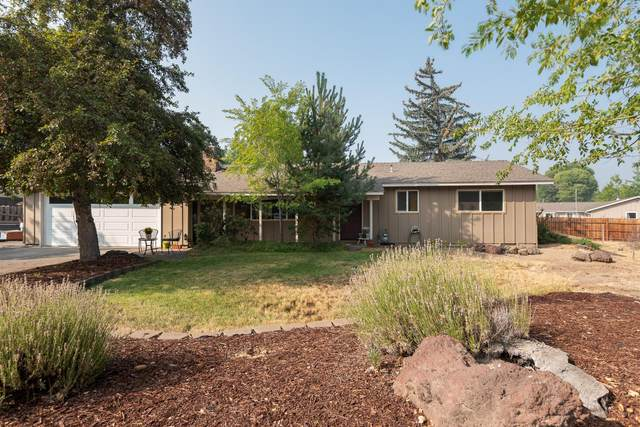 1625 Pheasant Circle, Bend, OR 97701 (MLS #220109103) :: The Payson Group
