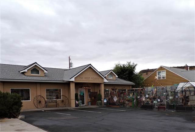 750 NW 4 Street, Prineville, OR 97754 (MLS #220109503) :: The Ladd Group