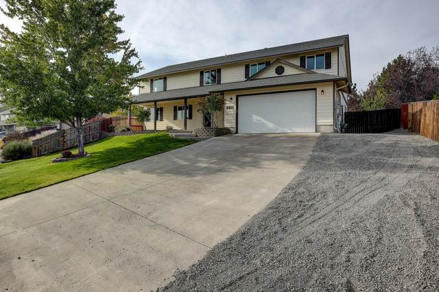 2411 SW 33rd Street, Redmond, OR 97756 (MLS #220109648) :: Vianet Realty