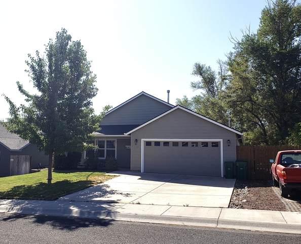 2186 Kelsey Lane, Klamath Falls, OR 97603 (MLS #220109738) :: Windermere Central Oregon Real Estate