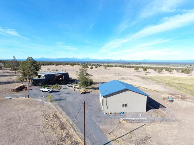 9263 SW Copley Road, Powell Butte, OR 97753 (MLS #220109777) :: Fred Real Estate Group of Central Oregon