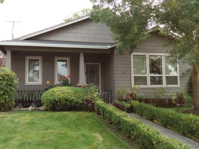 550 Mae Street, Medford, OR 97504 (MLS #220110001) :: Top Agents Real Estate Company