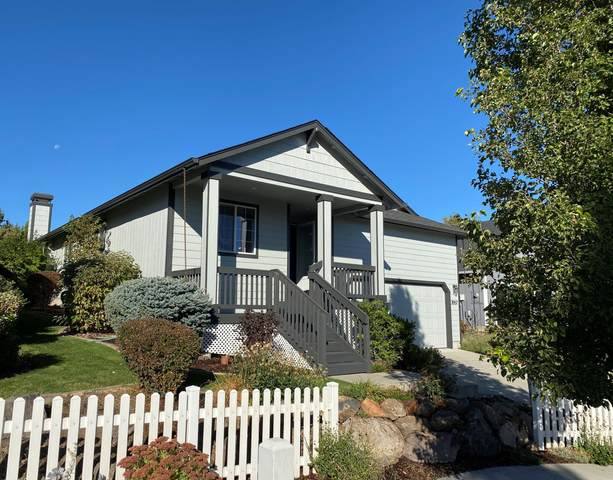 3557 SW 30th Street, Redmond, OR 97756 (MLS #220110300) :: Coldwell Banker Sun Country Realty, Inc.