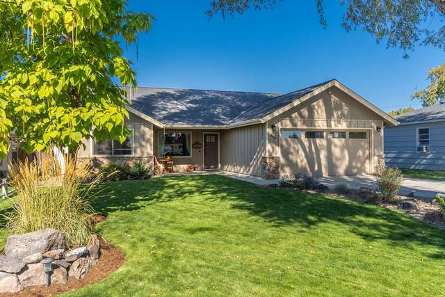 607 NE Ochoco Avenue, Prineville, OR 97754 (MLS #220110547) :: Central Oregon Home Pros