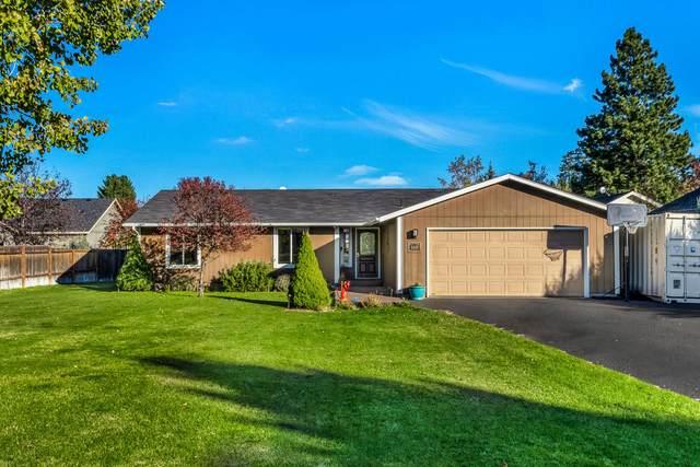 160 N Maple Street, Sisters, OR 97759 (MLS #220111065) :: Berkshire Hathaway HomeServices Northwest Real Estate