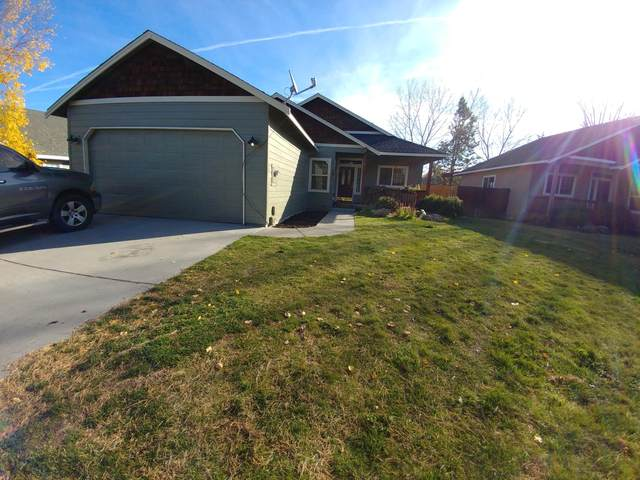 2052 SW 23rd Street, Redmond, OR 97756 (MLS #220111193) :: Bend Relo at Fred Real Estate Group