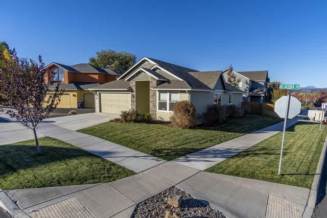 2059 NE Altura Drive, Bend, OR 97701 (MLS #220111383) :: Central Oregon Home Pros