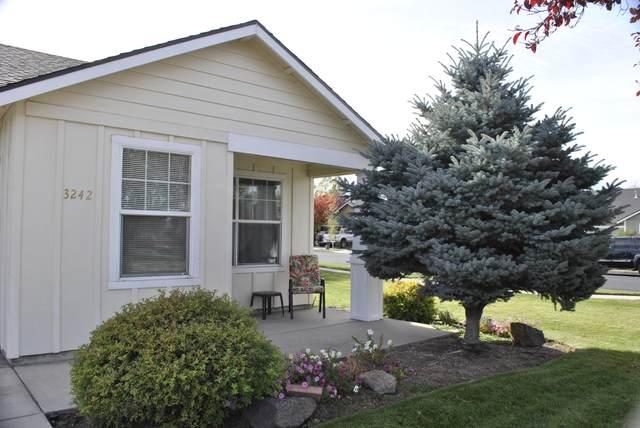 3242 SW Juniper Avenue, Redmond, OR 97756 (MLS #220111463) :: Central Oregon Home Pros