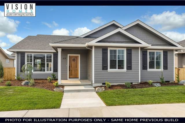 413 Castle Rock Drive, Central Point, OR 97502 (MLS #220111642) :: The Payson Group