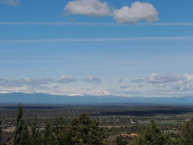 698 SW Pinnacle Court, Powell Butte, OR 97753 (MLS #220111675) :: Central Oregon Home Pros