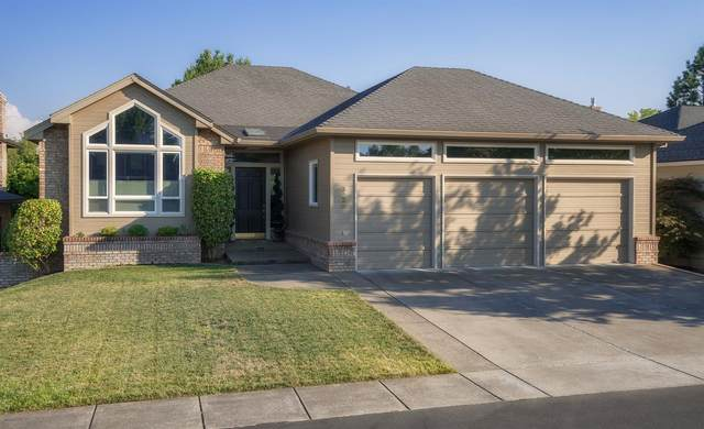 3226 Chandler Egan Drive, Medford, OR 97504 (MLS #220112927) :: Bend Relo at Fred Real Estate Group