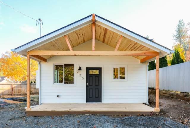 725 Applegate Street, Jacksonville, OR 97530 (MLS #220112977) :: Premiere Property Group, LLC