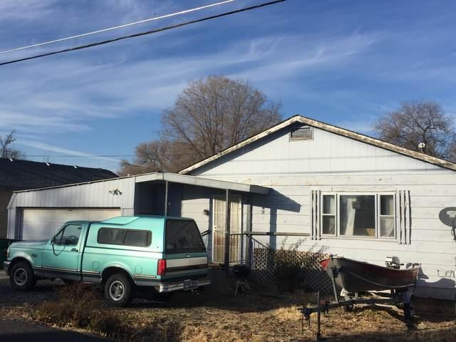 3441 Bristol Avenue, Klamath Falls, OR 97603 (MLS #220112978) :: Bend Relo at Fred Real Estate Group