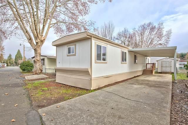 334 Beechwood Drive, Grants Pass, OR 97526 (MLS #220114149) :: Premiere Property Group, LLC