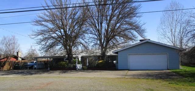 2290 Corona Avenue, Medford, OR 97504 (MLS #220115787) :: Schaake Capital Group
