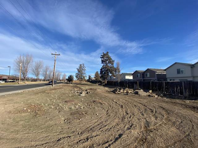 3080 SW Obsidian Avenue, Redmond, OR 97756 (MLS #220116063) :: Fred Real Estate Group of Central Oregon