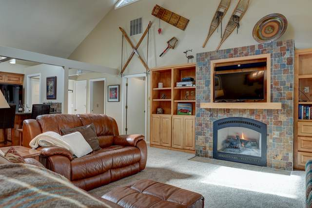 57400 Summit View Drive, Sunriver, OR 97707 (MLS #220116575) :: Premiere Property Group, LLC