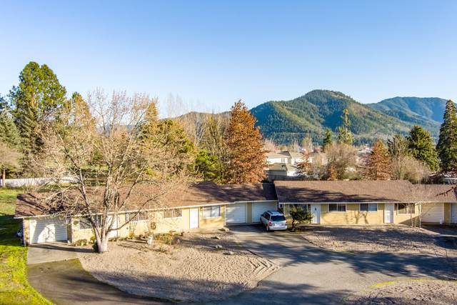 1437 NE D Street 1-6, Grants Pass, OR 97526 (MLS #220117268) :: The Ladd Group