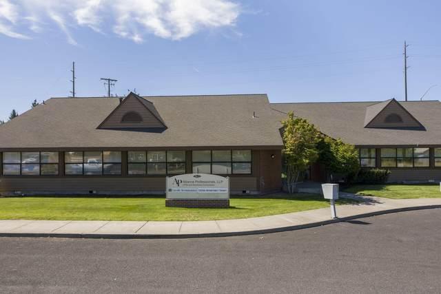 2622 SW Glacier Place, Redmond, OR 97756 (MLS #220117448) :: Fred Real Estate Group of Central Oregon