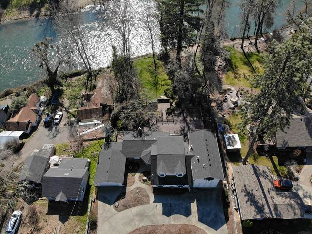 2155 SE Portola Drive, Grants Pass, OR 97526 (MLS #220117585) :: Berkshire Hathaway HomeServices Northwest Real Estate