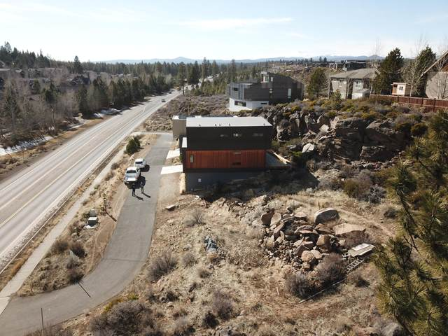 19434 SW Century Drive, Bend, OR 97702 (MLS #220117673) :: Bend Homes Now