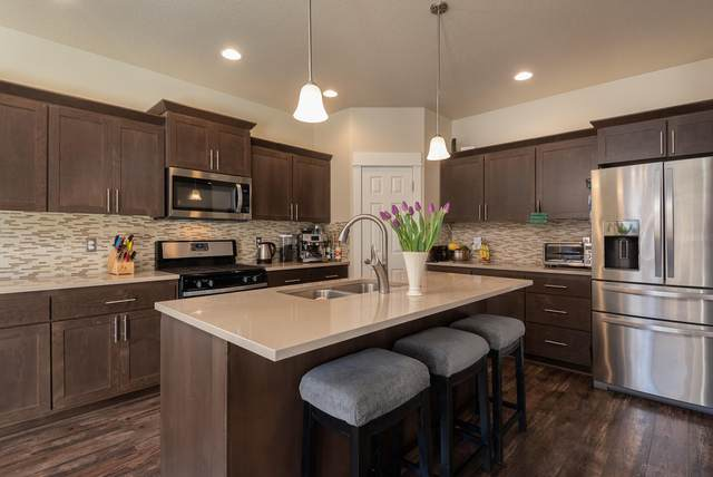 3113 NE Flagstone Avenue, Bend, OR 97701 (MLS #220118057) :: Team Birtola | High Desert Realty