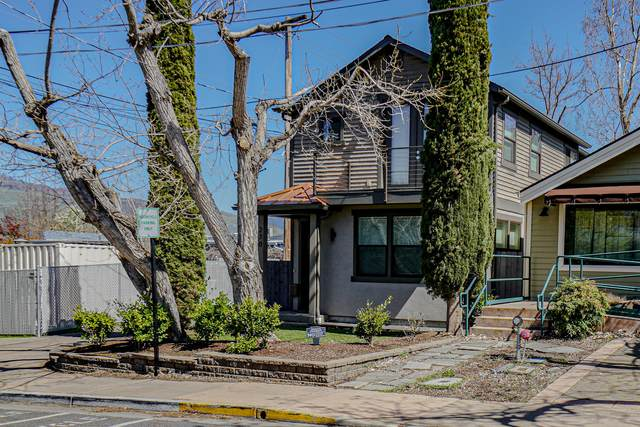 270 N First Street, Ashland, OR 97520 (MLS #220119516) :: Bend Relo at Fred Real Estate Group