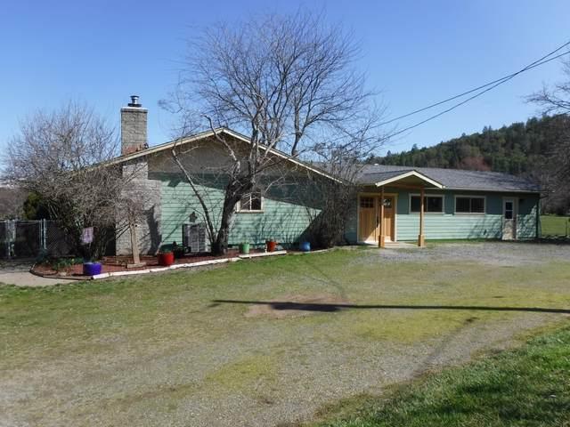 3055 Burrell Road, Medford, OR 97501 (MLS #220119799) :: Berkshire Hathaway HomeServices Northwest Real Estate