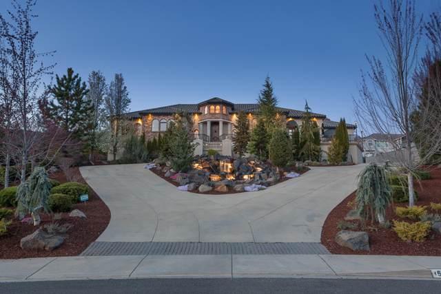 5646 Fallbrook Lane, Medford, OR 97504 (MLS #220119926) :: Berkshire Hathaway HomeServices Northwest Real Estate