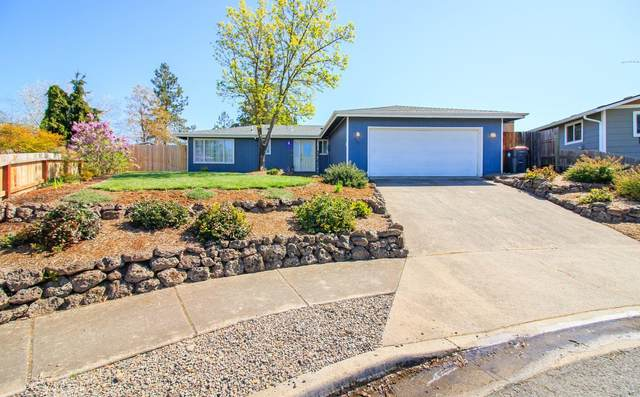 625 Kings Court, Central Point, OR 97502 (MLS #220119959) :: Rutledge Property Group