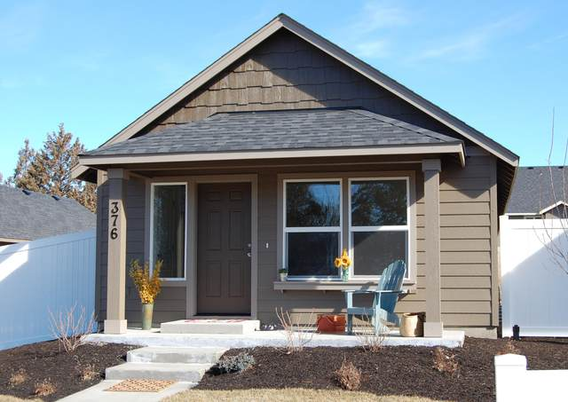 1222 NW 25th Street, Redmond, OR 97756 (MLS #220120156) :: The Bifano Home Team
