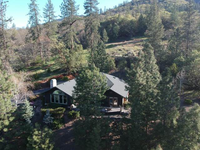 272 NE Oak Dale Drive, Grants Pass, OR 97526 (MLS #220120164) :: Berkshire Hathaway HomeServices Northwest Real Estate