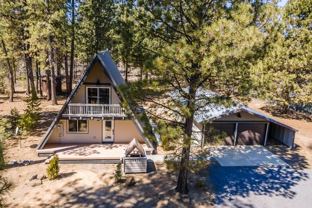 14215 Whitewater Loop, La Pine, OR 97739 (MLS #220120250) :: Coldwell Banker Bain