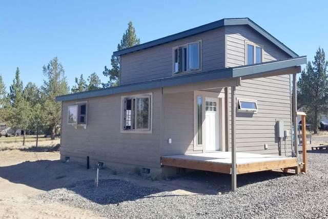 8490 SW Corner Place, Terrebonne, OR 97760 (MLS #220121119) :: Bend Homes Now
