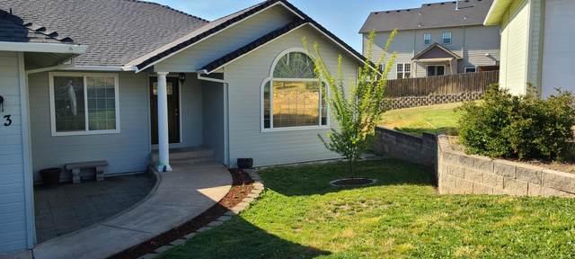 113 Cedar Ridge Terrace, Rogue River, OR 97537 (MLS #220121138) :: Top Agents Real Estate Company