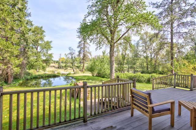 600 Schroeder Lane, Grants Pass, OR 97527 (MLS #220121170) :: Bend Relo at Fred Real Estate Group
