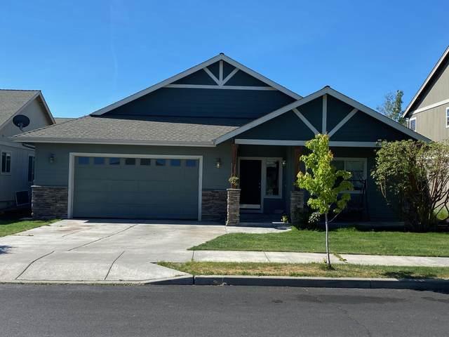2834 SW Indian Place, Redmond, OR 97756 (MLS #220121236) :: Chris Scott, Central Oregon Valley Brokers