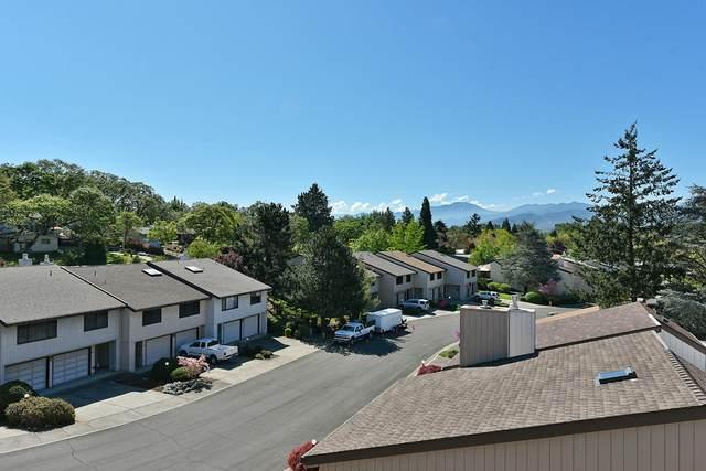 231 Mt Echo Drive, Medford, OR 97504 (MLS #220121496) :: Stellar Realty Northwest
