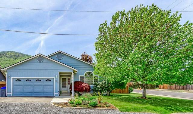 1400 Lithia Way, Talent, OR 97540 (MLS #220122088) :: Top Agents Real Estate Company